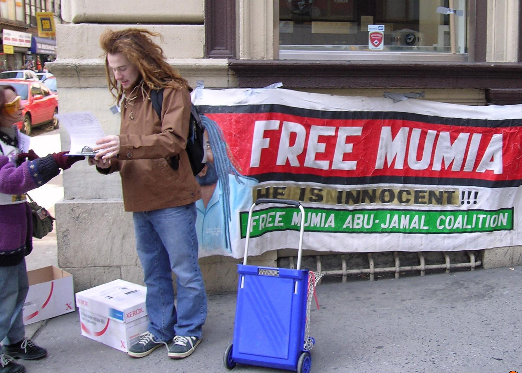 117 Political Prisoners Stuff White People Like Timbuk2 Classic Messenger Abu Free Mumia 1